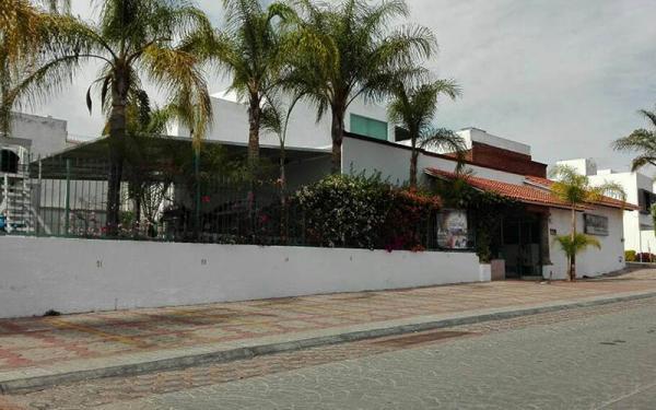 Salón Bugambilias